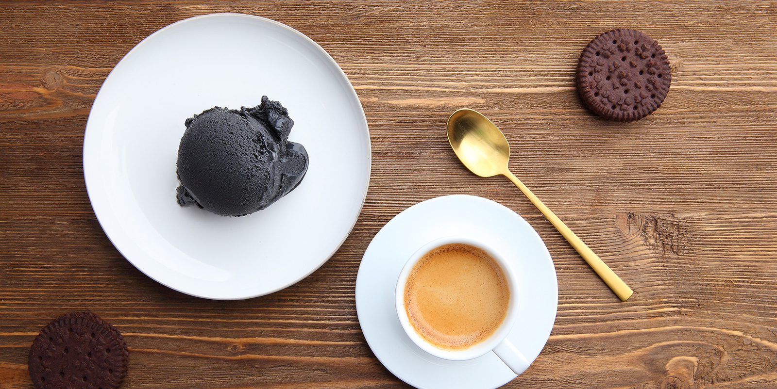 بستنی ذغالی